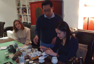 Learning the gongfu cha tea ceremony