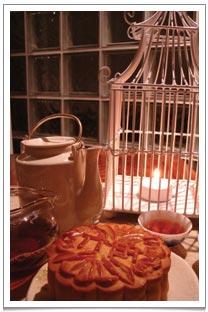 Enjoying my favourite moon cake with Wuyi Shuixian tea with lanterns all around me.