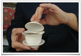 How to use a gaiwan Chinese teacup