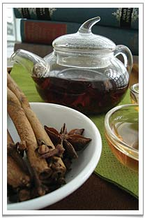 Lychee Black with cinnamon, cloves and petals of star anise - the perfect mulled