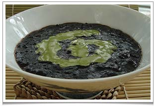 Black Glutinous Rice Pudding with Matcha Coconut Cream