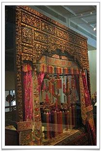 Bridal chamber display at the Peranakan Museum in Singapore (39 Armenian Street)